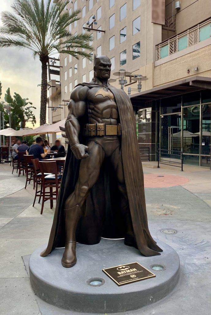 DC TEAMS WITH CITY OF BURBANK TO UNVEIL LARGER-THAN-LIFE BATMAN STATUE