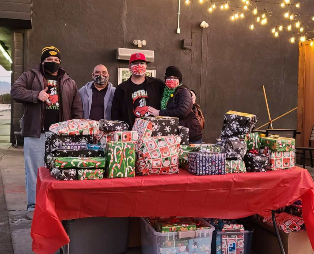 Pastrami Nation and Apollo Restaurant Brightened the Holidays with their Christmas Giveaway