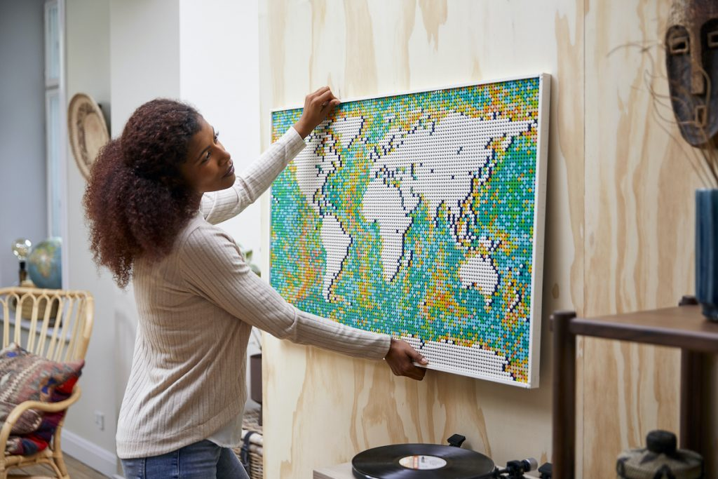 Travel put firmly back on the map with huge new LEGO Art set