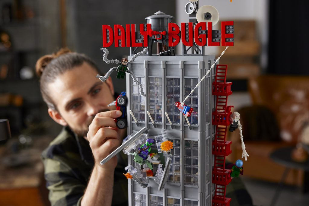 GET ME PICTURES OF SPIDER-MAN! THE LEGO GROUP REVEALS A HUGE, NEW SPIDER-MAN DAILY BUGLE SET
